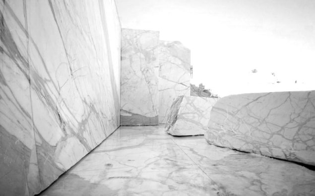 Blocks of raw wholesale marble