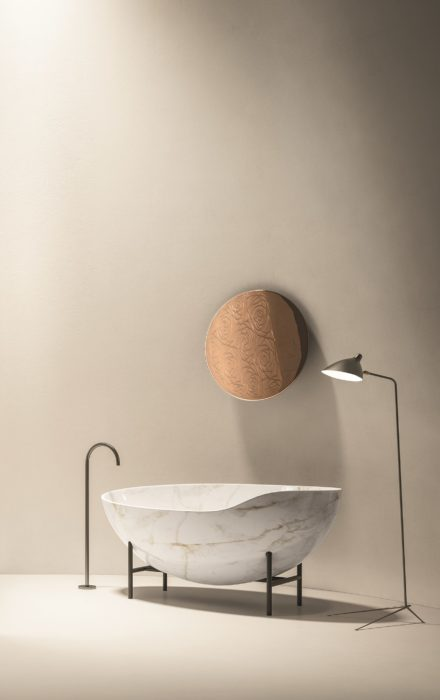 Kora luxury Italian marble bathtub by Kreoo
